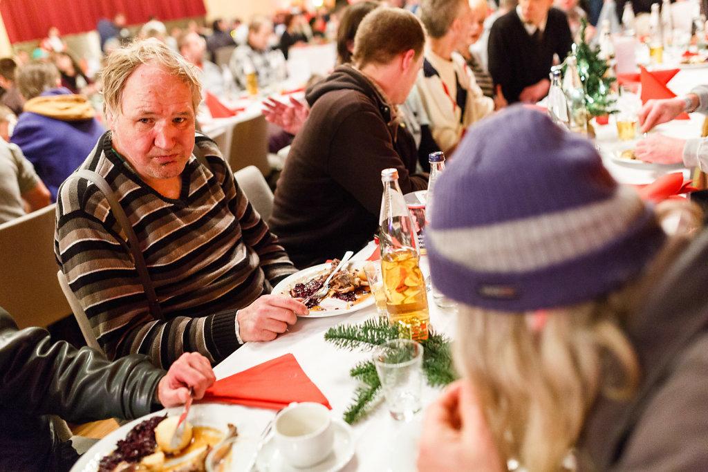 Weihnachtsfeier für Obdachlose und Bedürftige