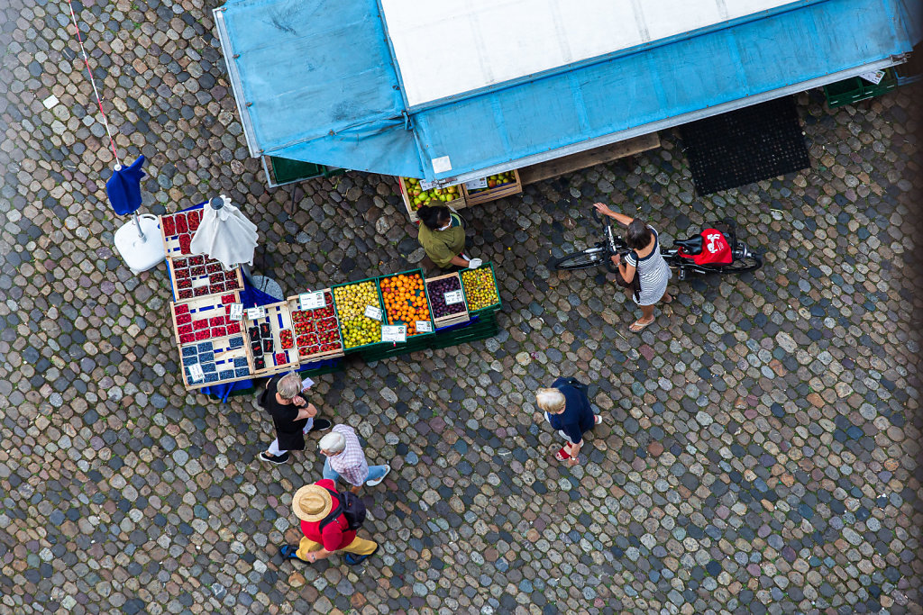 Markt auf dem Freiburger Münsterplatz