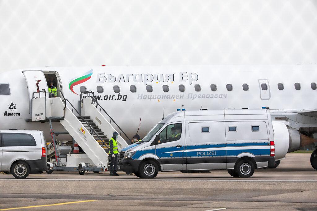 Abschiebeflug nach Serbien